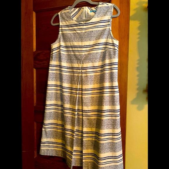 Beautiful summer J McLaughlin dress